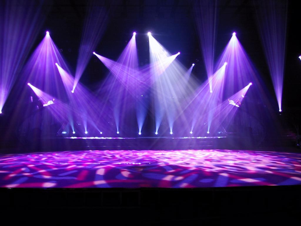 Ánh sáng sân khấu chuyên nghiệp