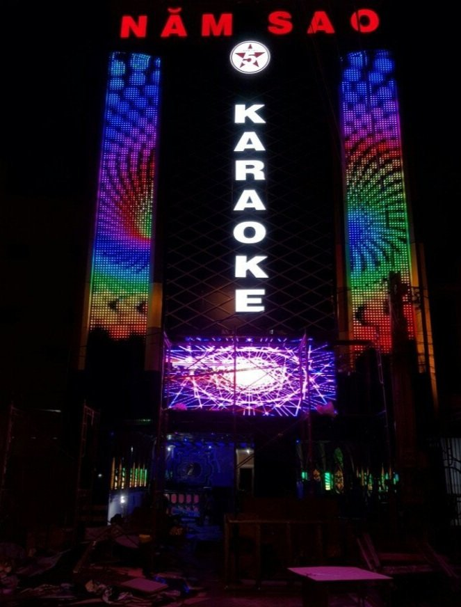 mặt tiền karaoke đẹp hiện đại